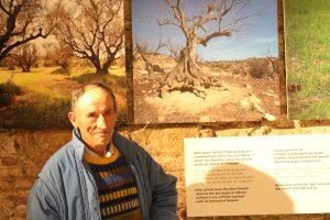 Paco Geologo en la expo de Jordi Piqué