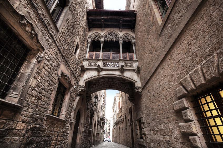 portal del ángel en Barcelona y sus callejuelas