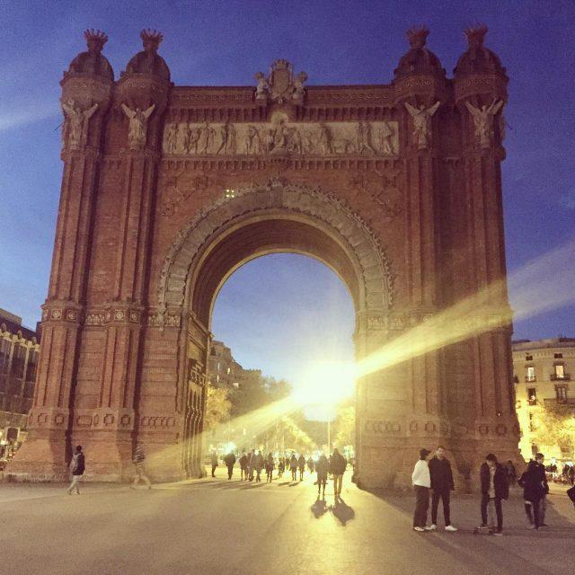 No estamos en Pars!  Barcelona arcdetriomf catalunyaexperience architecture bcnhellip