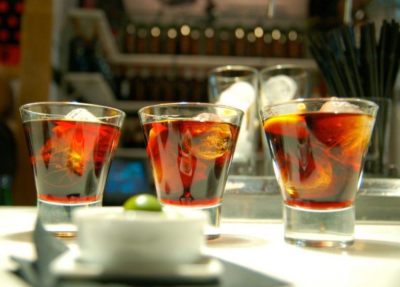 Tomar vermut en Gràcia