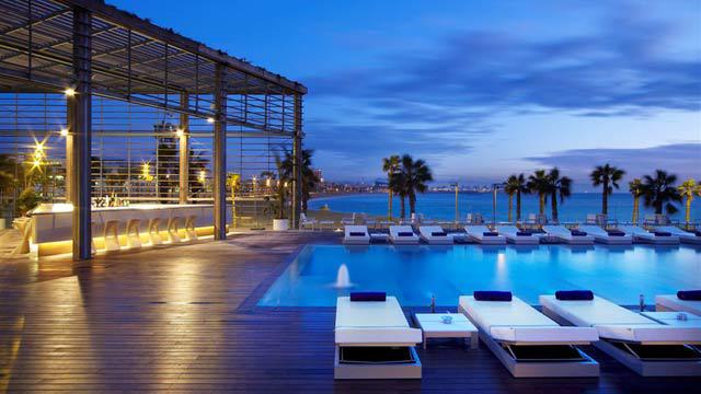 restaurantes con piscina en barcelona diario de viaje