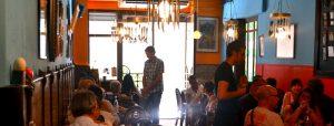 Restaurantes en las calles asturias de Gràcia