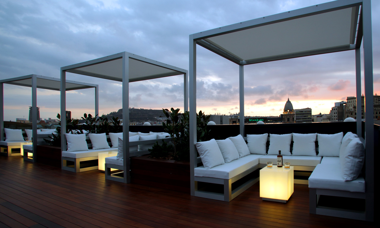 Terrazas chill out en barcelona for Hotel minimalista barcelona