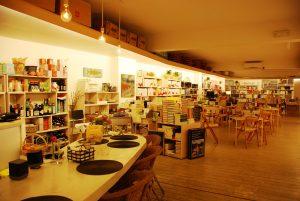 librerias en l'eixample de barcelona