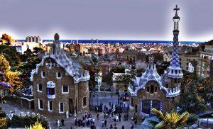 Imagen vista del park güell y de la ciudad de barcelona