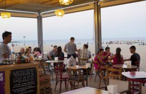 vermut en la playa de barcelona