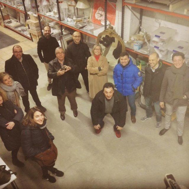 Une parte del equipo shbarcelona en visita al almacn delhellip
