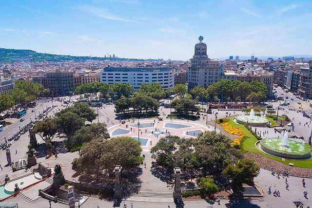 One of Barcelonas most emblematic places Plaa Catalunya Barcelona placetogohellip