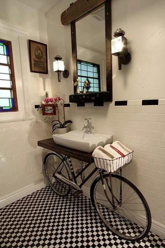 Decorar-baños-con-bicicletas-333x500