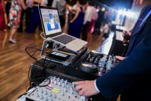contratar dj para bodas, musica para bodas en barcelona