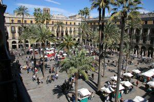plazas con historia en barcelona