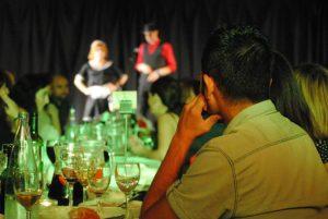 cena con espectaculo en barcelona, magia en barcelona