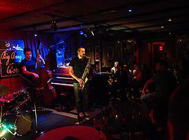 bares de barcelona, musica en directo en barcelona,bares culturales en barcelona