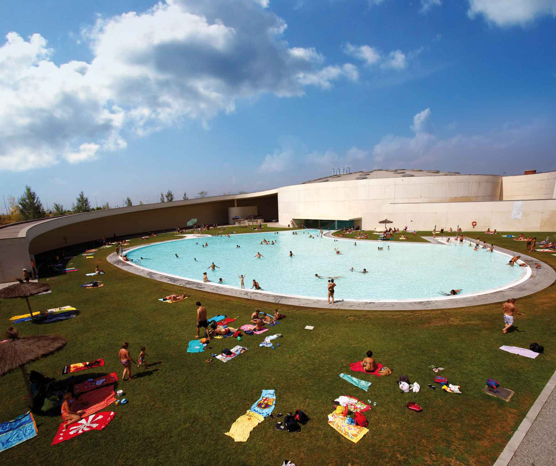 piscinas descubiertas en barcelona