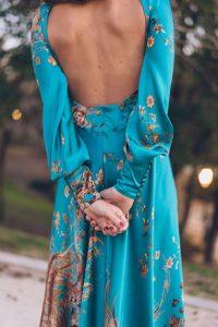 Espalda de vestido verde