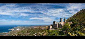 Planear unas vacaciones en la costa brava, monasterio de Rodes