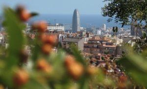 Imagen de Barcelona con la torre Agbar al fondo