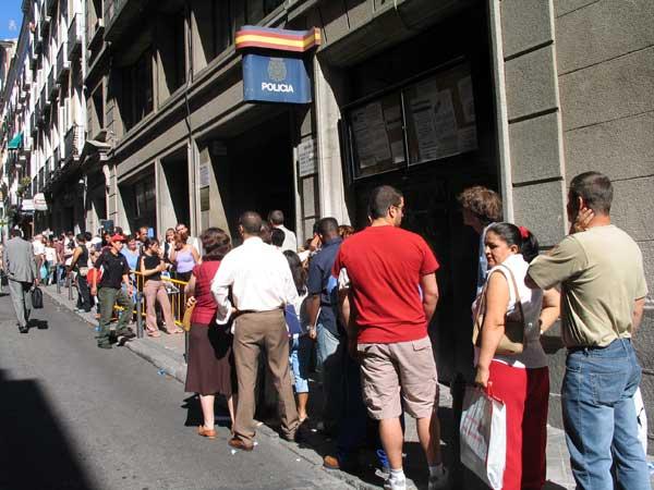 Consigue el n mero de identidad de extranjero nie diario de viaje barcelona gu a de - Oficina hacienda barcelona ...