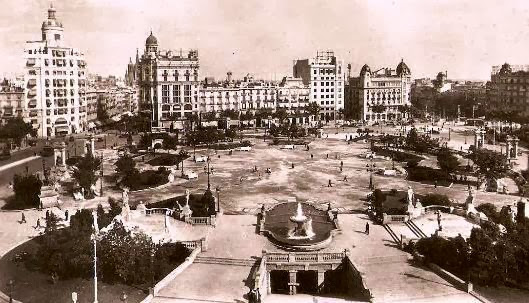 Imagen de la plaza Cataluña a principios de siglo