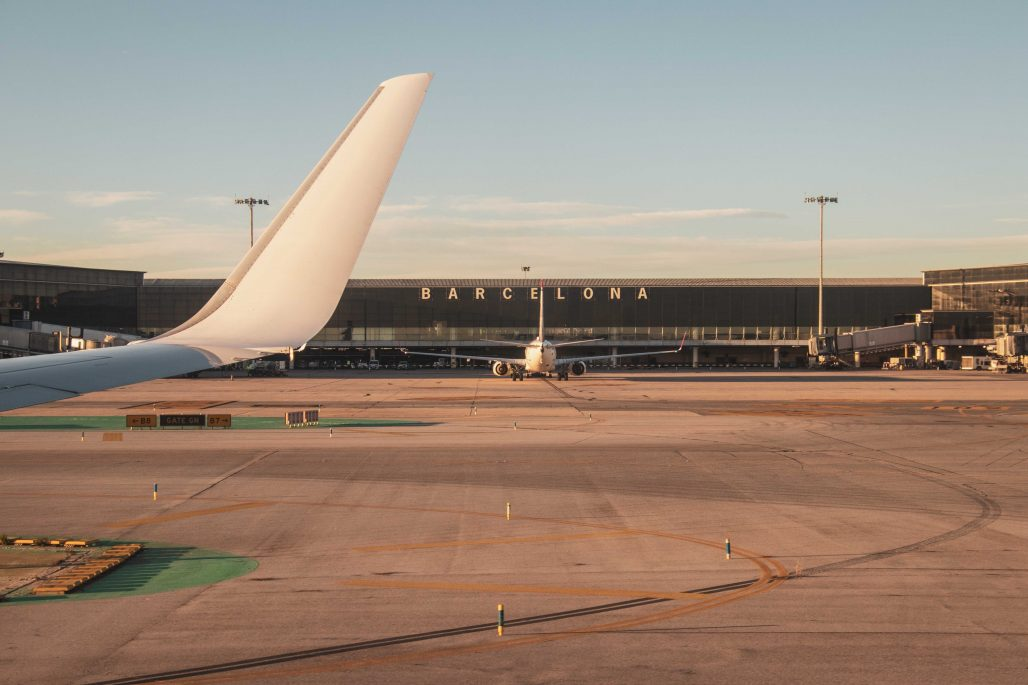 Avión aparcado en el aeropuerto de Barcelona
