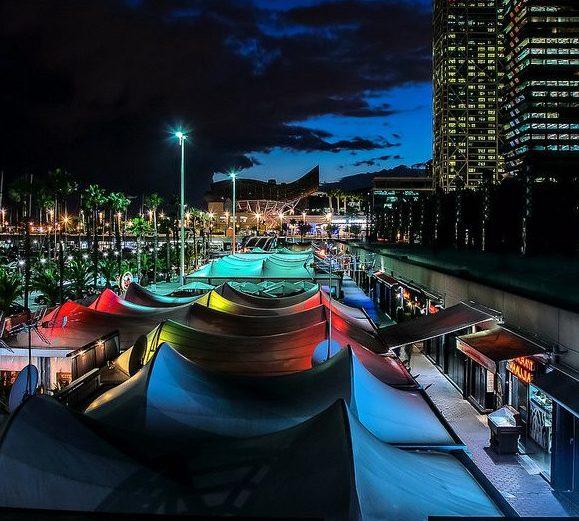 puerto olimpico barcelona noche
