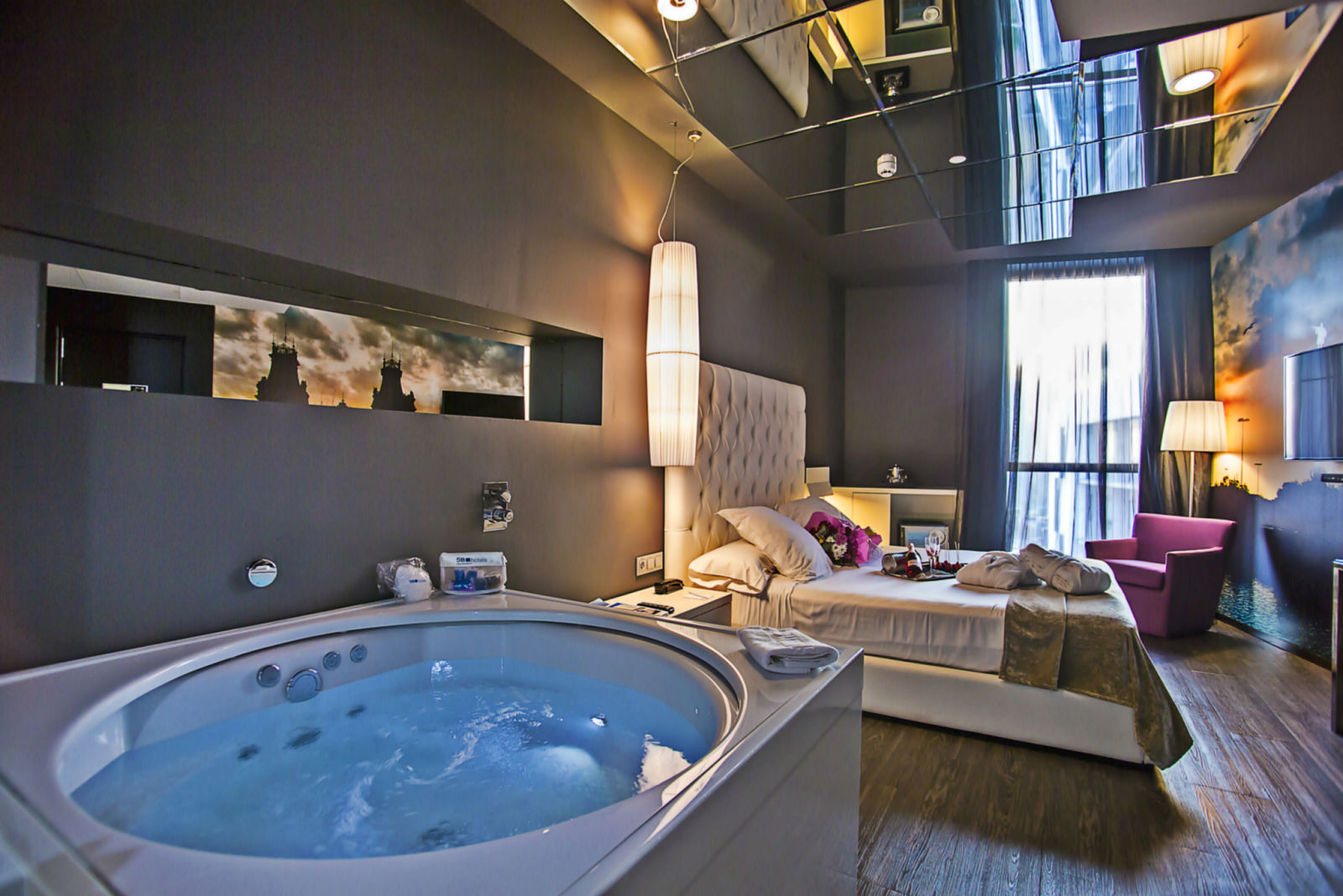 Hoteles con jacuzzi en barcelona shbarcelona diario de for Hoteles con jacuzzi en la habitacion