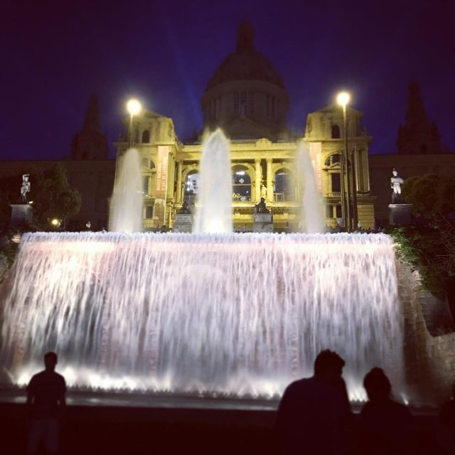 Las fuentes de Barcelona  bcn barcelona fuentes fountain nighthellip