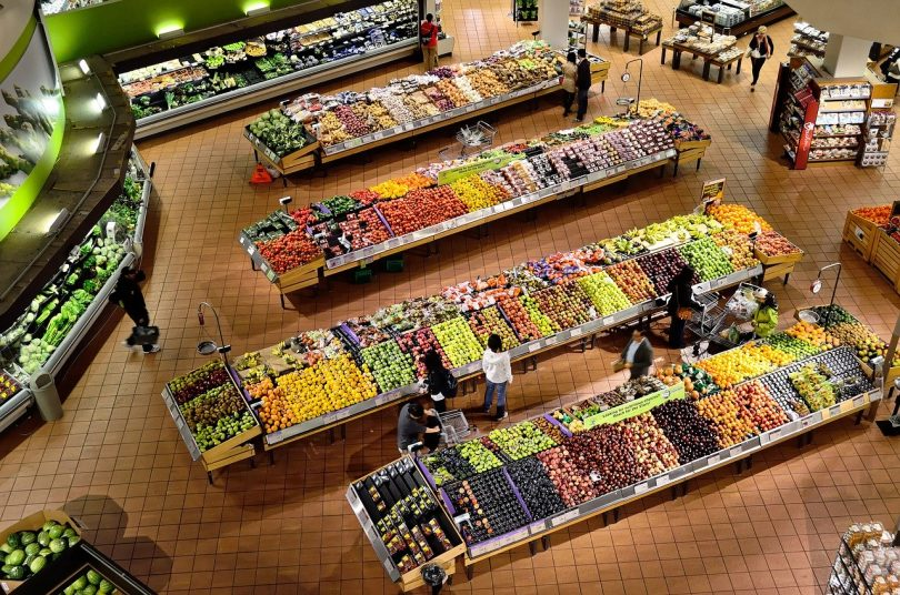 supermercado sección fruta y verdura