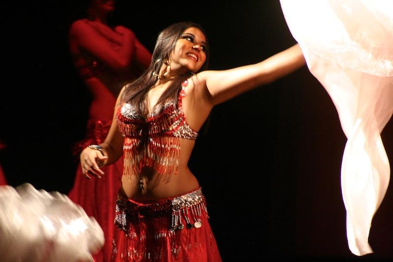 danza árabe Barcelona, cursos danza oriental Barcelona, danza oriental Barcelona, bollywood Barcelona, danza del vientre Barcelona