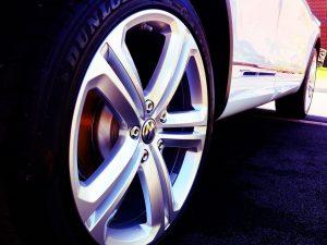 imagen de una rueda de un wolkswagen