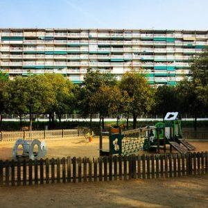 Foto de un parque infantil del barrio de Les Corts