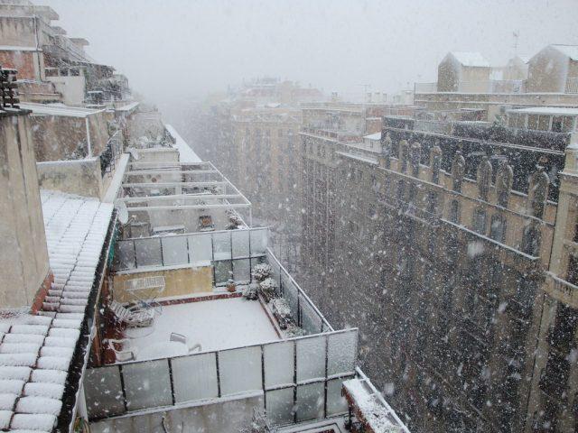 Terrazas nevadas de áticos en Barcelona