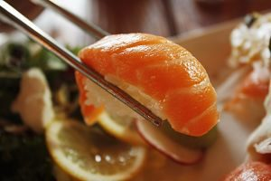 Imagen de una pieza de sushi