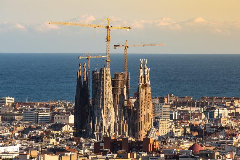 Sagrada familia en construcción