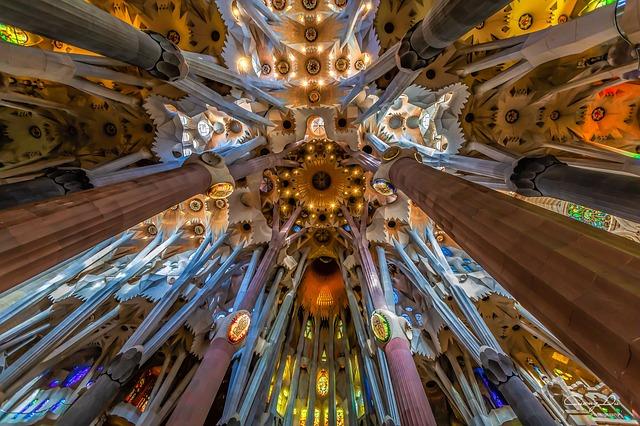 Imagen de la Sagrada Família por dentro