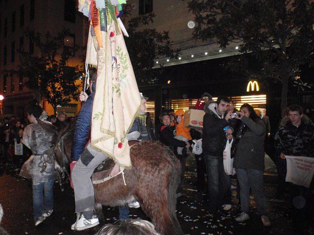 Imagen de una persona montada a caballo en sant medir