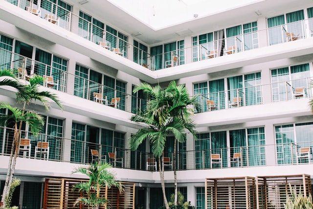 balcones de un bloque de apartamentos