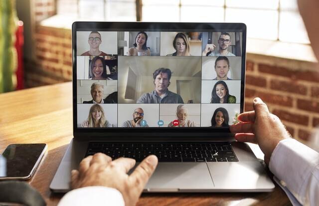 videollamada a través de un ordenador portátil
