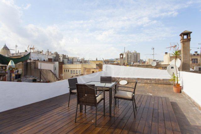 terraza en Ciutat Vella. Piso bonito Barcelona
