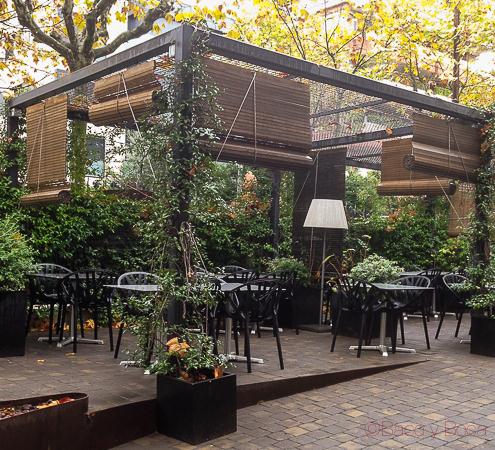 Terrazas para desayunar en barcelona diario de viaje for Repuestos para toldos de terraza