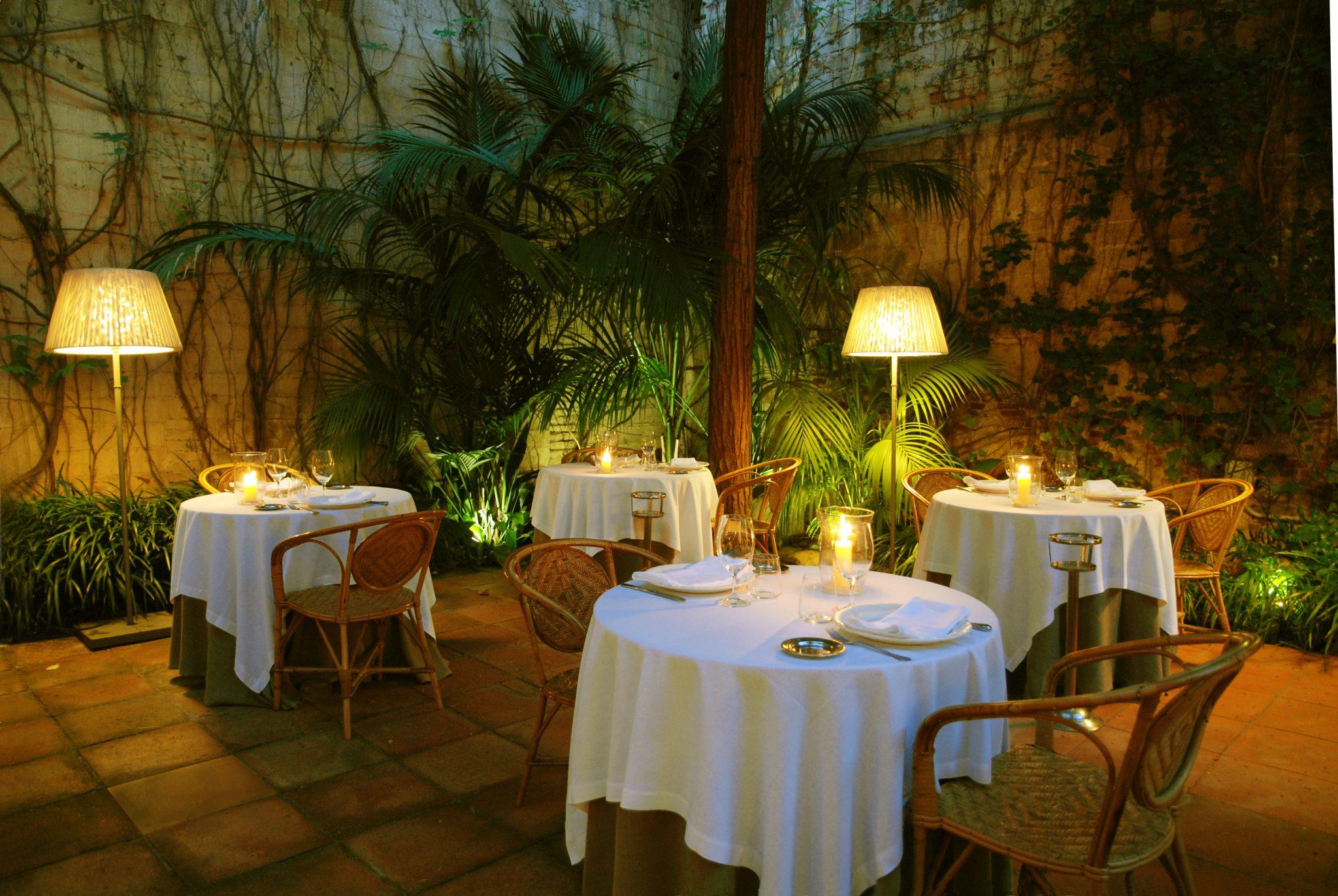 Restaurantes con jard n en barcelona diario de viaje for Casa con jardin barcelona