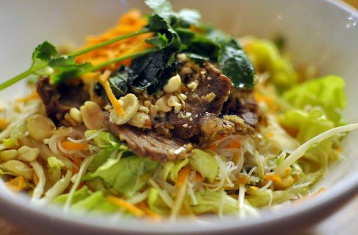 Comida para llevar en el born diario de viaje barcelona gu a de eventos cultura y - Restaurante vietnamita barcelona ...